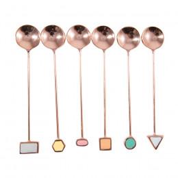 Set de 6 cuillères embout formes géométriques